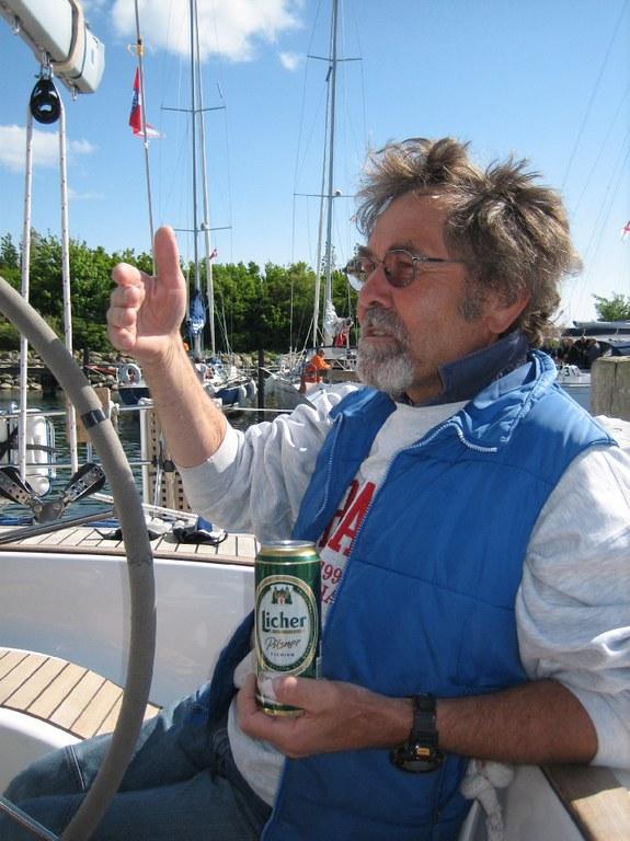Hessenregatta 2008/ Helmut, der Skipper vom 2. SCG-Boot kommt gerne auf ein Bier